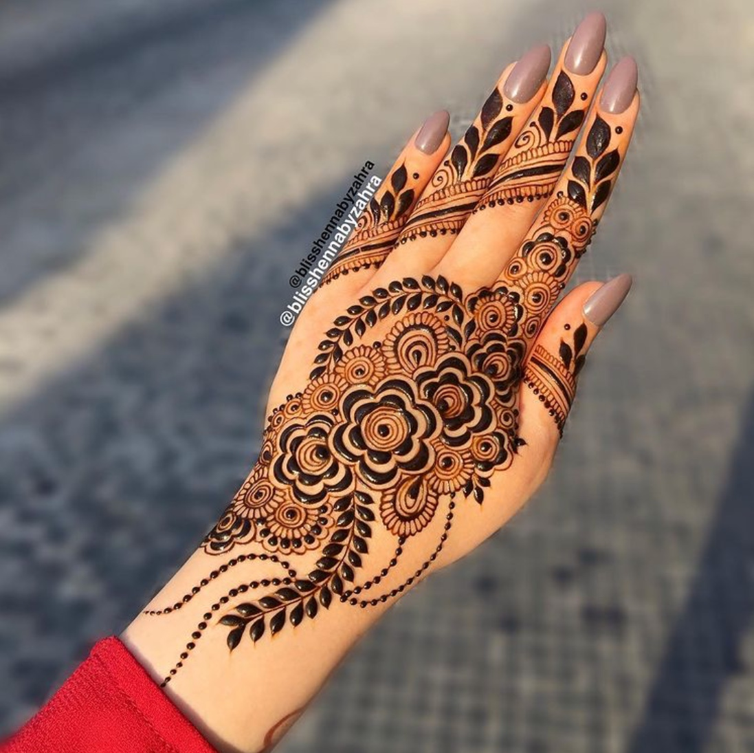 henna tattoo
