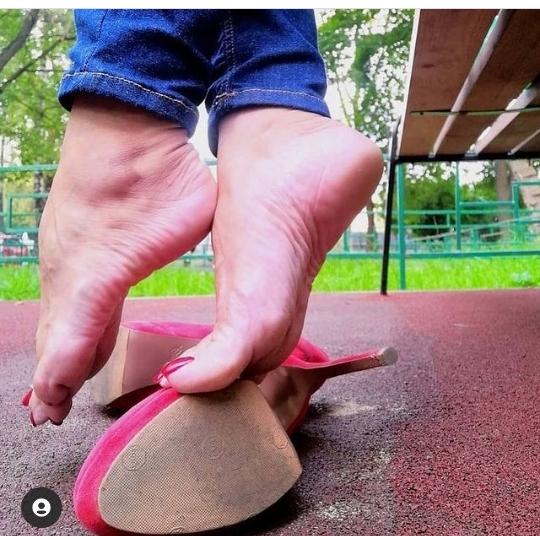 Bare Feet Photography